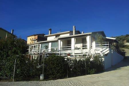 Bella location in Villa in Umbria - Perugia - Apartment