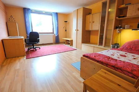 Großes gemütliches Zimmer von 24 qm - Bed & Breakfast