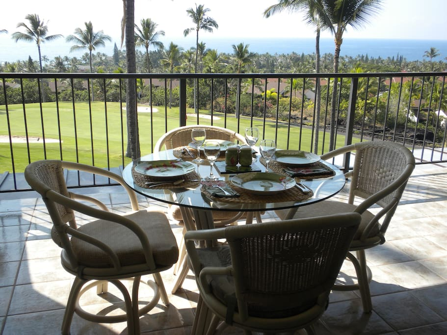 dining on the lanai