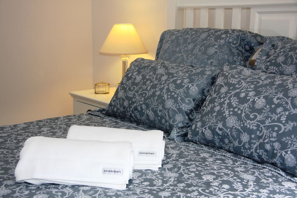 Fresh linen and towels provided