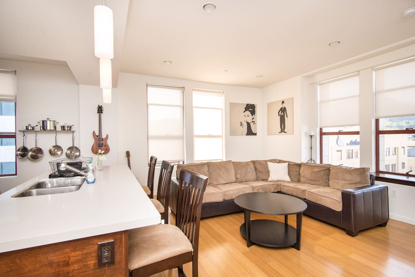 The apartment! Corner unit with views of the Hollywood blvd, Hollywood Hills and Hollywood Sign.