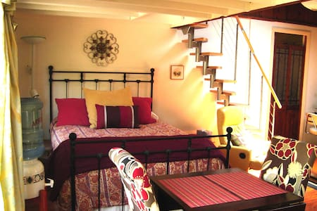 GEORGEOUS CANYON BEACH GUESTHOUSE - Rumah