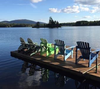 Family-Friendly Lakefront Paradise in Southern VT - Ház