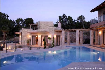2 Villas with a pool and seaview - Heraklion