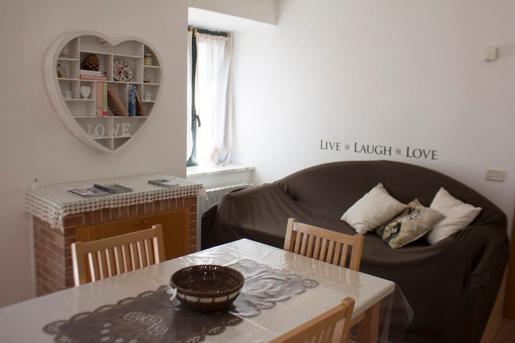 https://www.airbnb.it/rooms/14998995