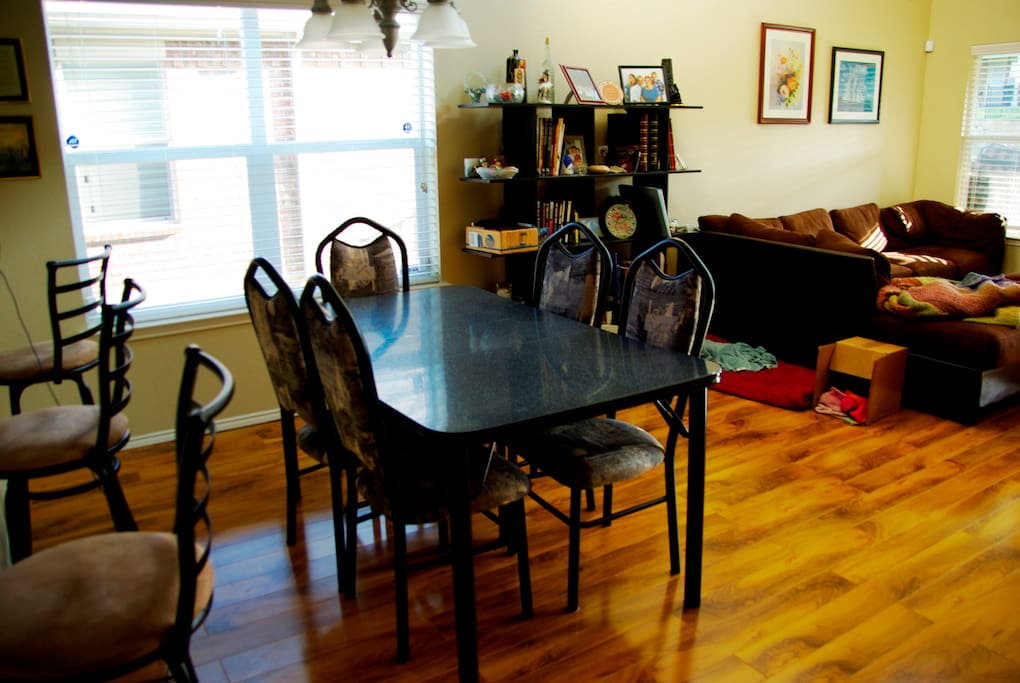 Dining room & table