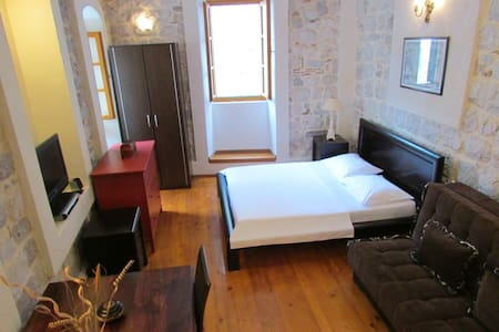 Kotor Old Town Studio apartment