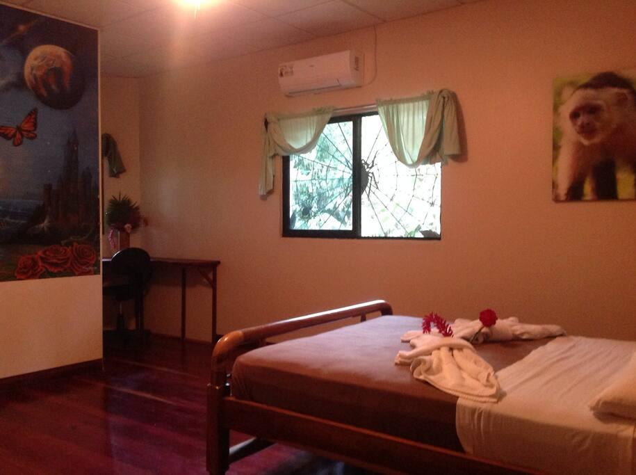 Toucan Hut @ La Chosa del Manglar