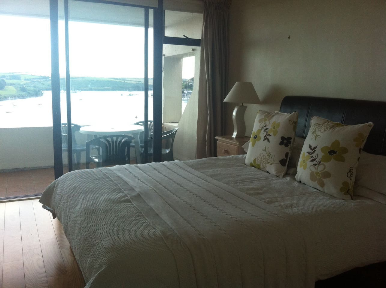 Wake up to a view of Kinsale harbour and birdsong.