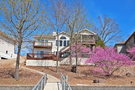 Luxurios Lake Ozark Home - Lake Ozark - House