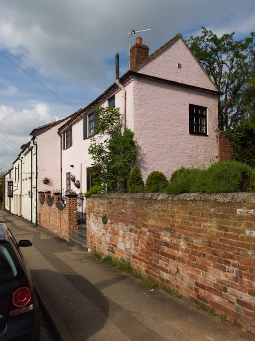 ROSEHIP COTTAGE, Bingham,Notts