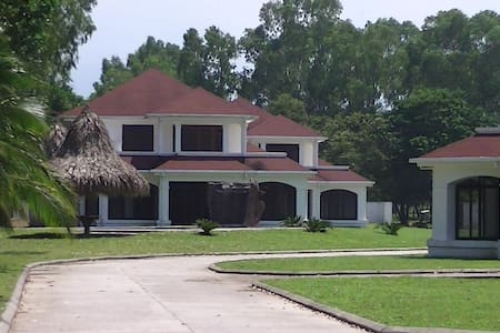 Villa on Caribbean beachproperty  - Casa