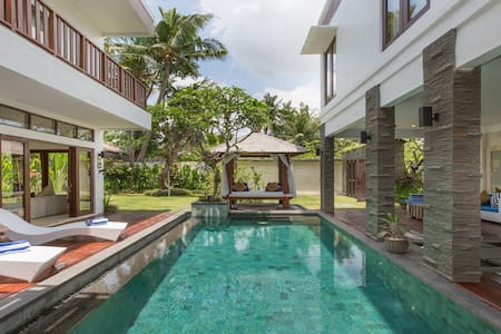 Canggu Tropical Home Villa