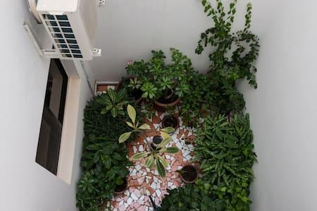 Jolie chambre à louer proche mer/aéroport - Vila