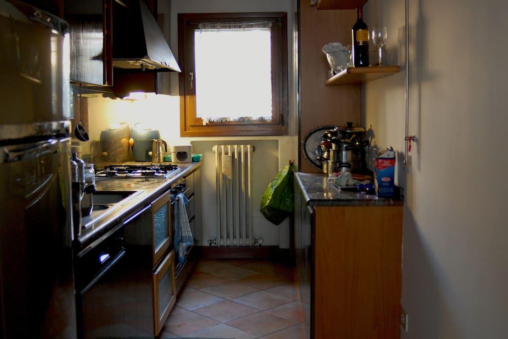 Small kitchen you can use! Piccola cucina a vostra disposizione!