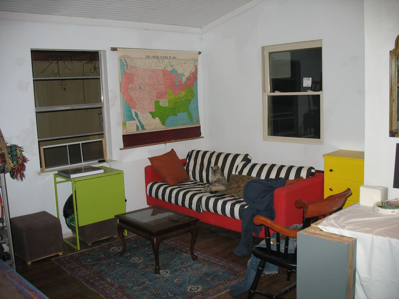 2br, 800 sq/ft house/east side/SXSW