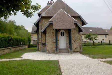 Gîte du Bois près de Disneyland - Neufmoutiers-en-Brie