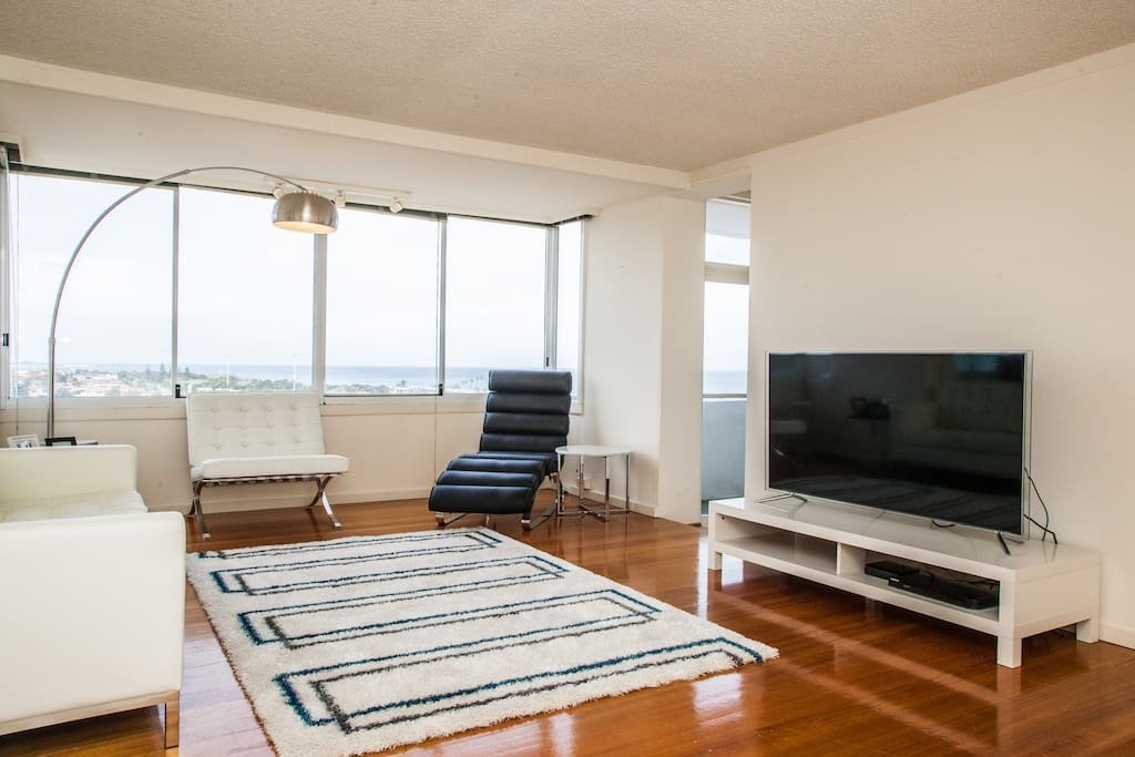 St Kilda apartment with a view!