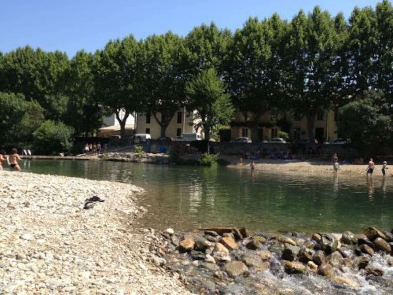 Just 50 meters from the stunning Cesse river beach