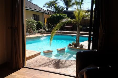 Private Flat-let off home - Kaapstad - Appartement