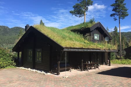 Sjarmerende hytte ved Vråvatn - Blockhütte