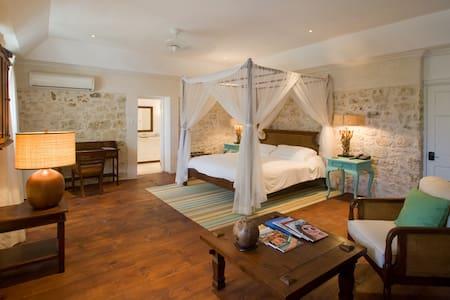 Atlantis - Bathsheba - Bed & Breakfast
