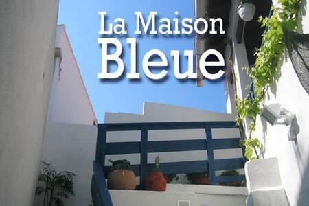 La Maison Bleue - Apartment