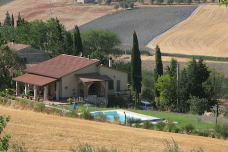 Splendid villa with swimmingpool - Maison