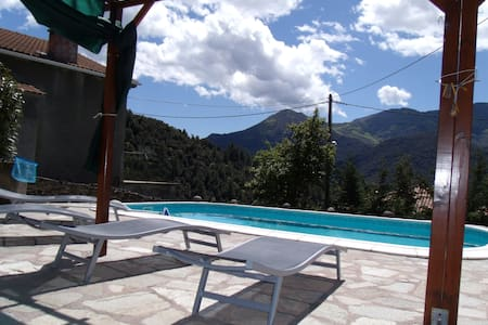 MAISON AVEC PISCINE PRIVATIVE - San-Lorenzo