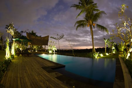 Suite Room with rice paddy view and great pool - Bed & Breakfast