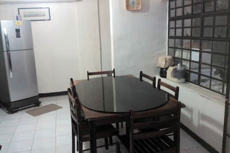 Rooms for rent near Tagaytay - Cavite City - Dom
