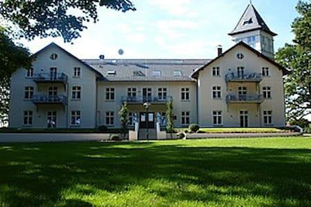 Jagdschloss zu Hohen Niendorf, Wohnung 15 - Schloss