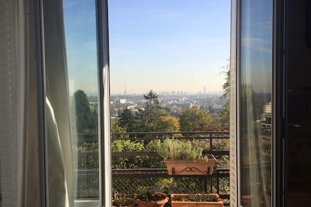 Grande Chambre charme, vue Paris, 25 min Eiffel - Saint-Cloud - Byt