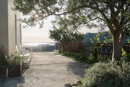 VILLA SEA view. 4 bedrooms. 140m2 - Marsiglia