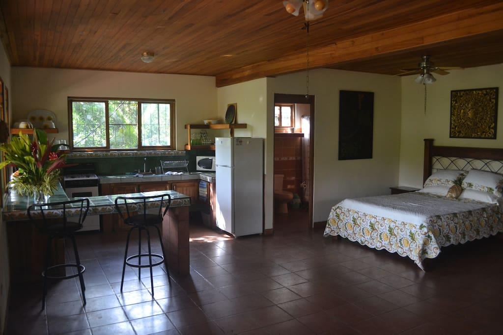 Queen bed, bath, large kitchen