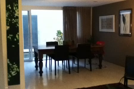Great location, Fully furnished apt