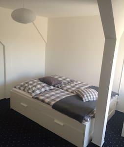 Nice and cozy Doubleroom - Huoneisto