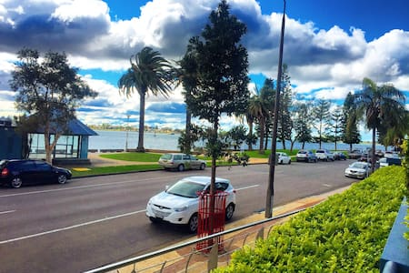 Honeysuckle - Harbour View!! - Newcastle - Apartemen