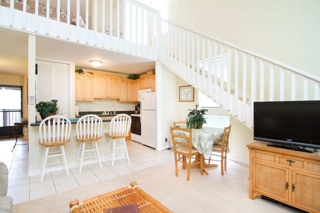 Great Room with Stairway to Spacious Lft