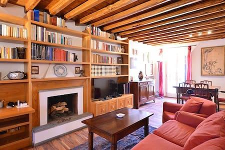 Spanish Steps cozy attic: 4+1 ppl