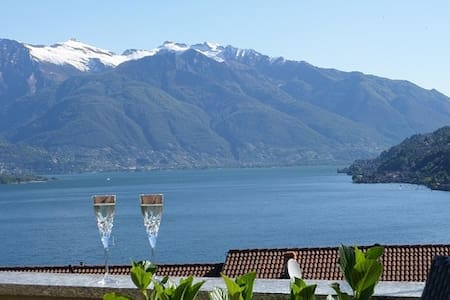 Romantic House with lake view - Pino Lago Maggiore - Casa