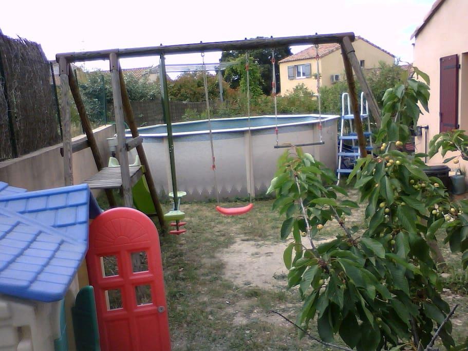 piscine et portique