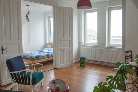 2 bright rooms with a view - Flensburg - Apartamento