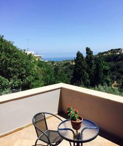 Super apartment Cliff view a/c wifi - Roussospiti
