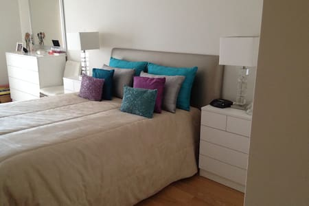 Private doubleroom with bathroom  - Apartment