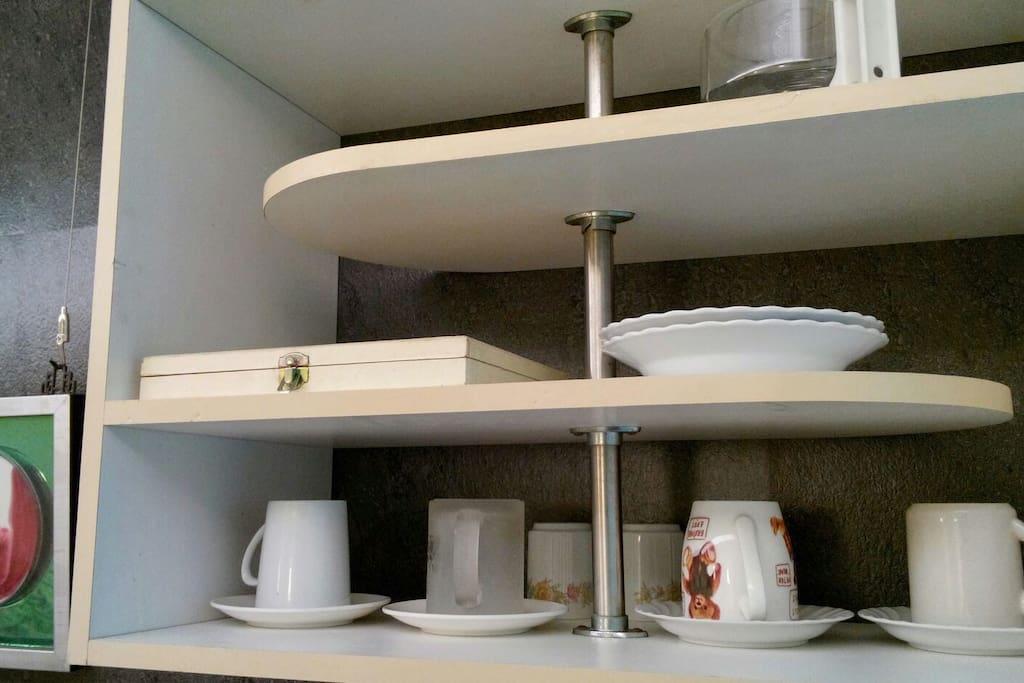 簡易餐具,杯盤