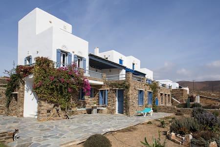 Seaside view, sleeps 6 - Electra - Rumah