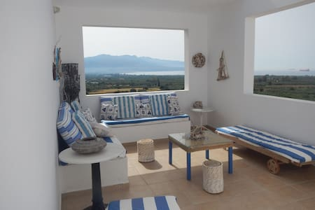2bedrooms with amazing view close to the beach - Dom
