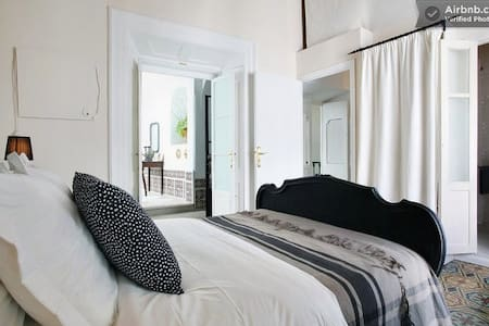 A NORDIC ROOM in cool Riad - Tarifa - Maison