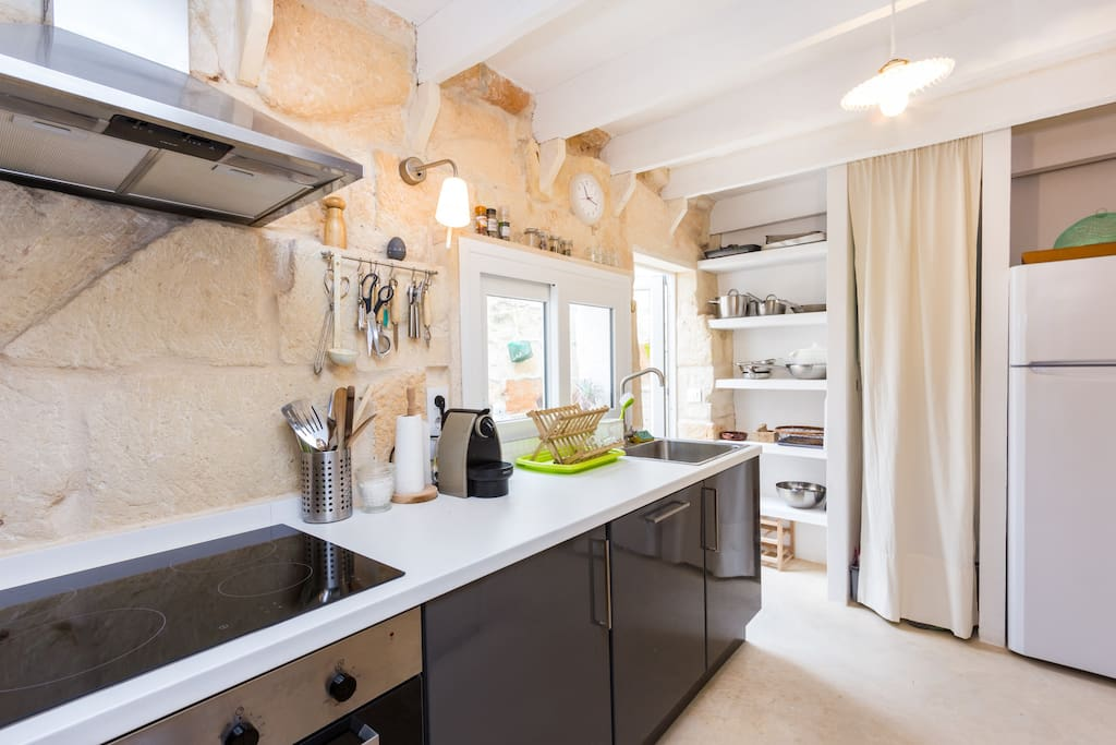 fully equipped and renovated kitchen